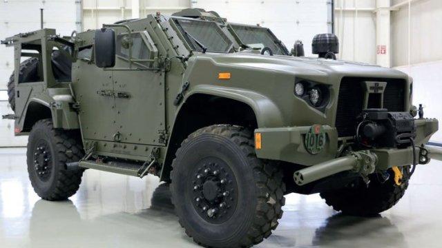 Американская легкая бронированная машина Oshkosh JLTV (Joint Light Tactical Vehicle) в предлагаемом исполнении для британской армии, снимок 2018 года