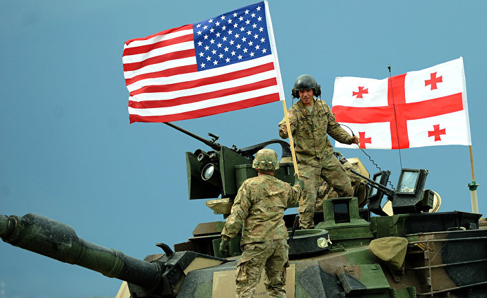 Американские военнослужащие во время американо-грузинских совместных военных учений Noble Partner.