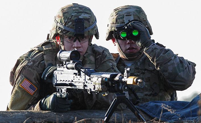 Американские военнослужащие во время учений НАТО в Литве.