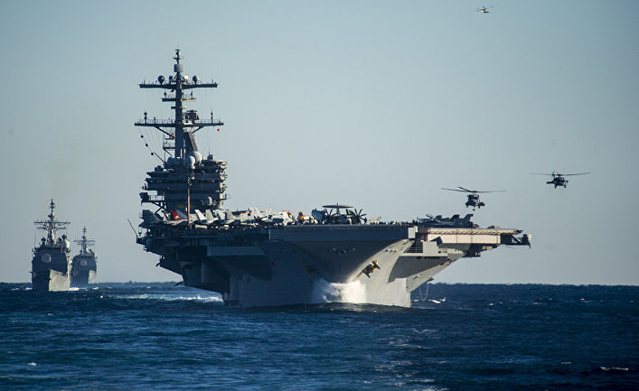"Американский авианосец типа ""Нимиц"" USS George H.W. Bush."