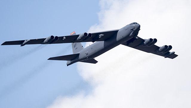 Американский бомбардировщик B-52. Архивное фото.
