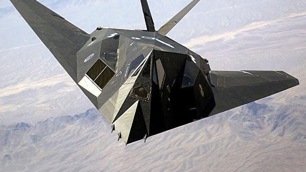 Американский бомбардировщик-невидимка F-117