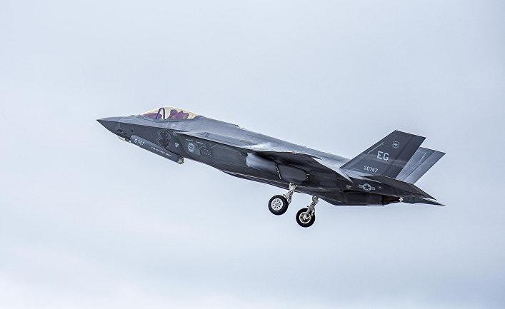 Американский истребитель F-35.