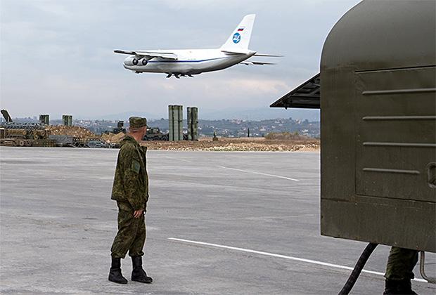 Ан-124 224-го Летного отряда ВВС РФ взлетает с авиабазы Хмеймим.