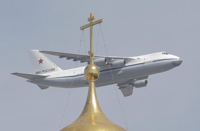 Транспортный самолет Ан-124.