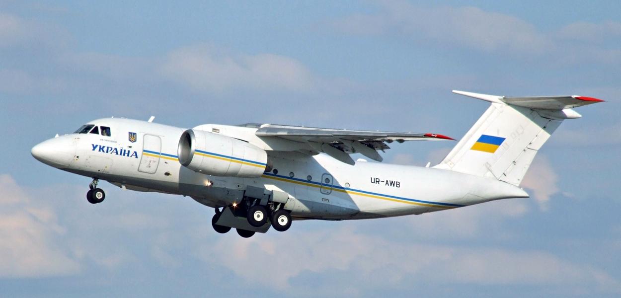 Самолет Ан-74ТК-300Д.