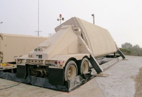Мобильный радиолокатор Х-диапазона AN/TPY-2 компании Raytheon Company.