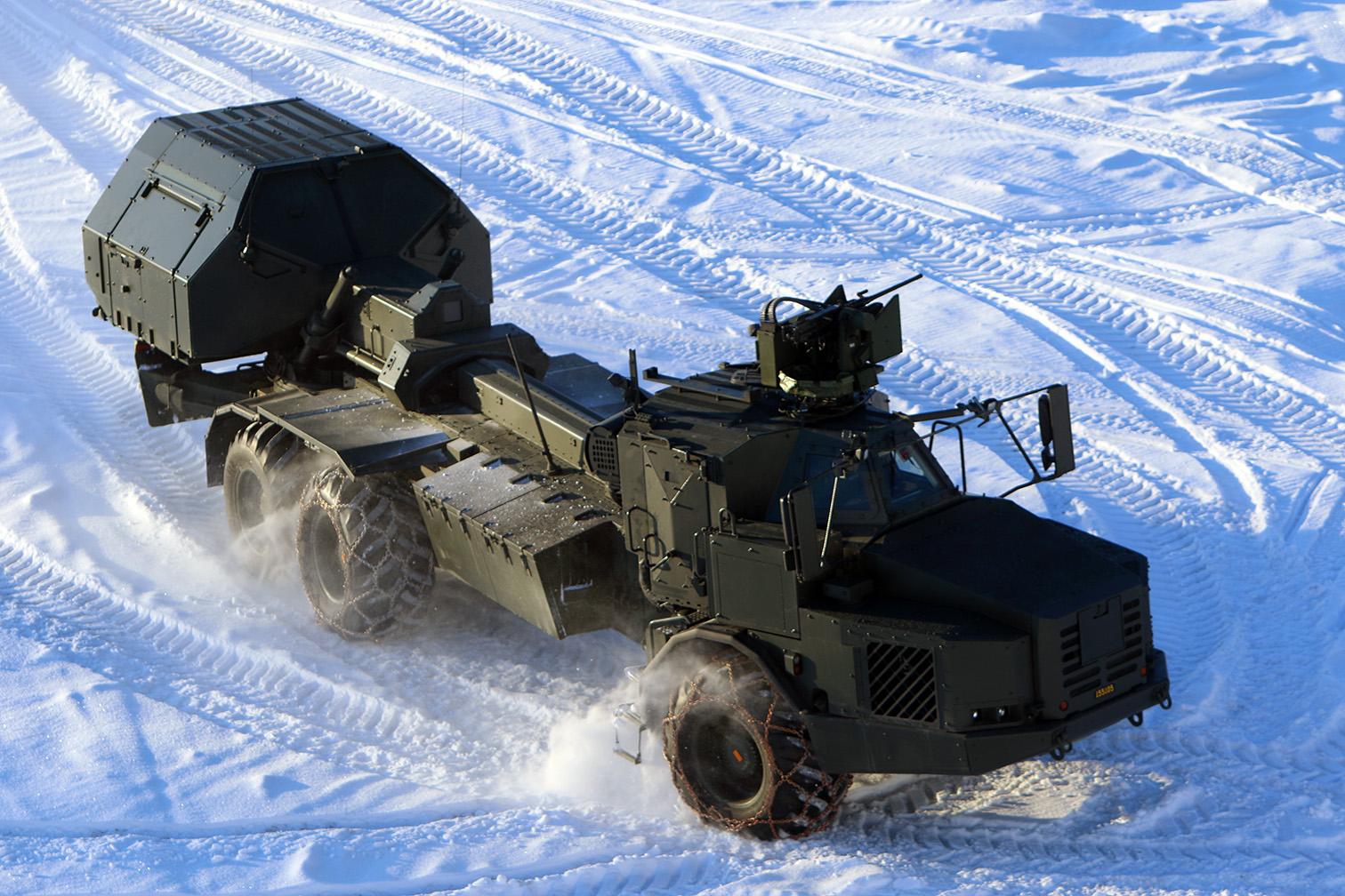 Одна из первых четырех серийных 155-мм/52 самоходных гаубиц BAE Systems Bofors Archer, введенных в боевой состав 9-го артиллерийского полка шведской армии. Боден, 01.02.2016.