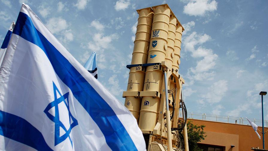 Израильский противоракетный комплекс Arrow 2 во время презентации для журналистов на военной базе Пальмахим, 2011 год.