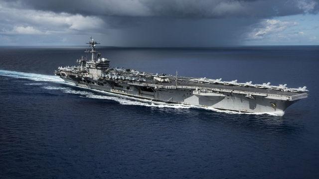Авианосец ВМС США Карл Винсон