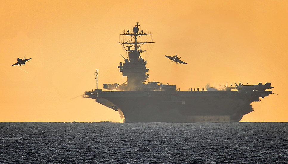 Авианосец ВМС США Harry Truman.