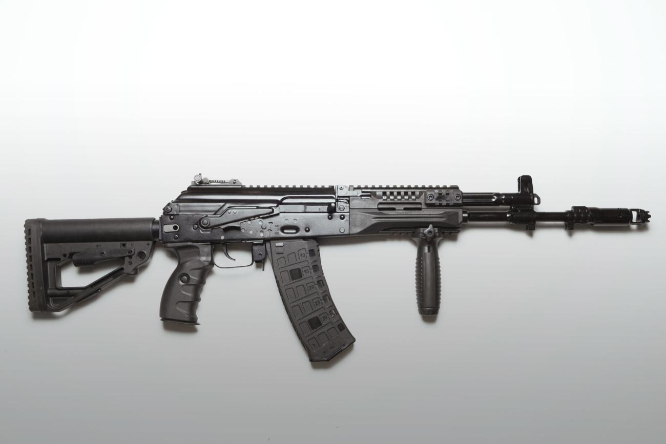 Созданный в семействе АК-12 автомат АК-15 под патрон 7,62 х 39 мм.
