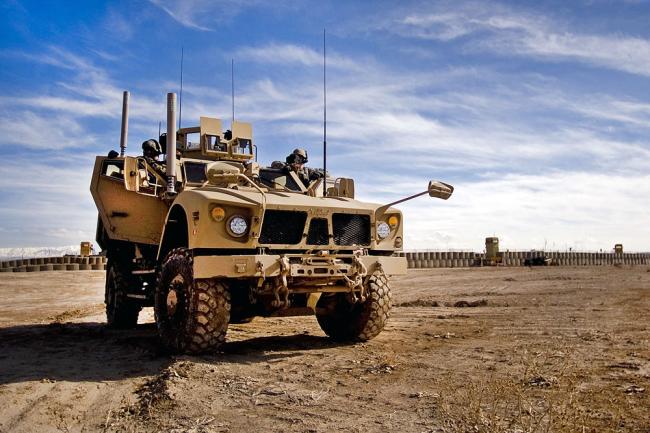 Автомобиль Oshkosh M-ATV.