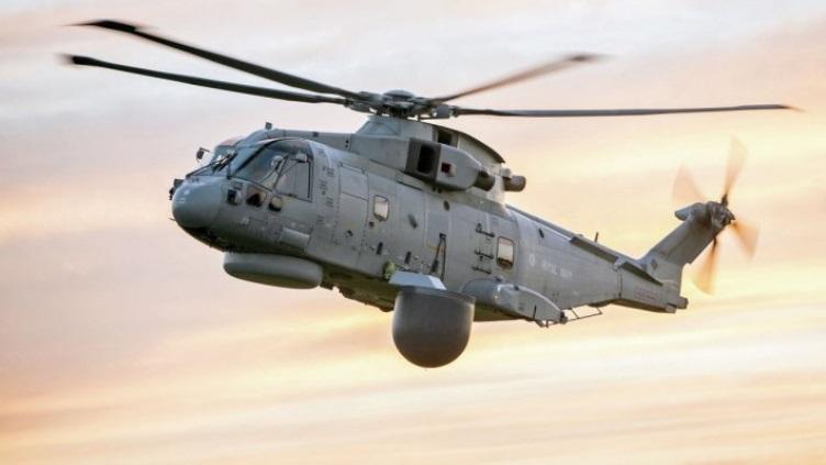 Изображение комплекса радиолокационного дозора Lockheed Martin/Thales Crowsnest на вертолете Leonardo AW101 Merlin HM.2 авиации ВМС Великобритании.