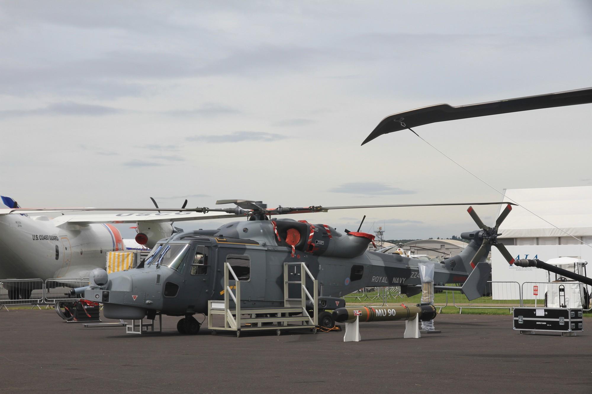 Новый корабельный многоцелевой противолодочный вертолет Leonardo-Finmeccanica Helicopter (ранее AgustaWestland) AW159 Lynx Wildcat (Wildcat HMA.2) авиации ВМС Великобритании. Фарнборо, 09.07.2016.
