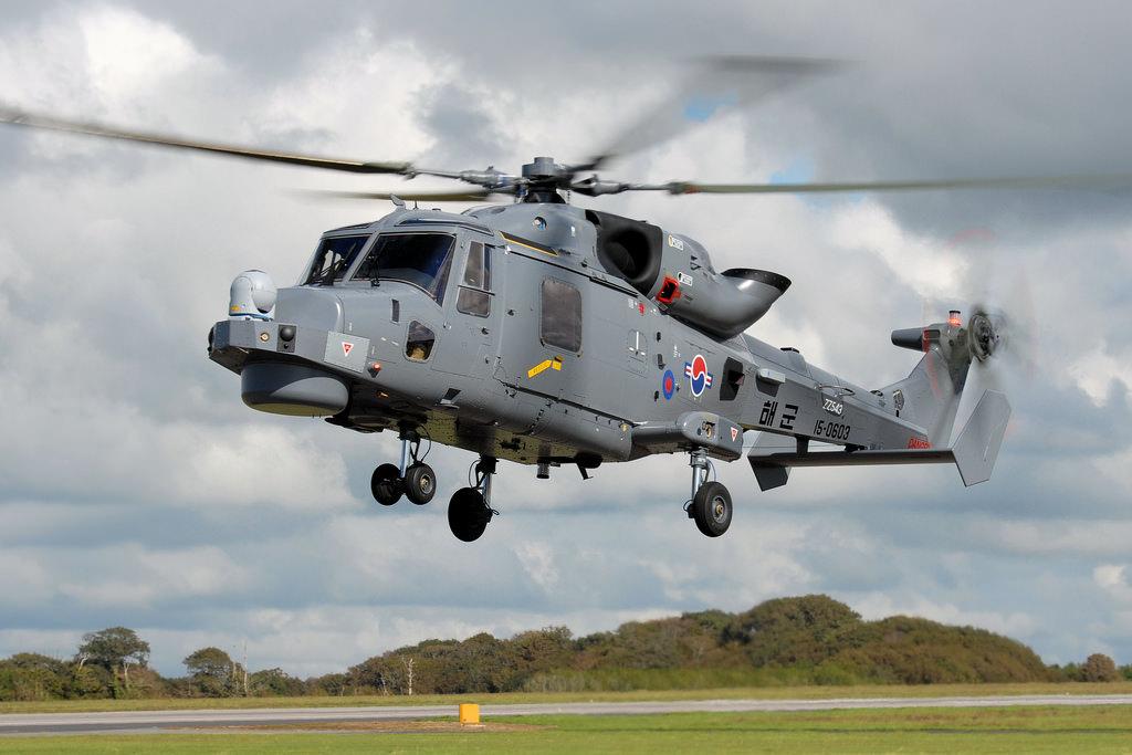 Противолодочный вертолет Finmeccanica/AgustaWestland AW159 Lynx Wildcat Mk 210, изготовленный для ВМС Южной Кореи (третий экземпляр - бортовой номер 15-0603, временный британский военный номер ZZ543). Йовиль (Великобритания), сентябрь 2015 года.