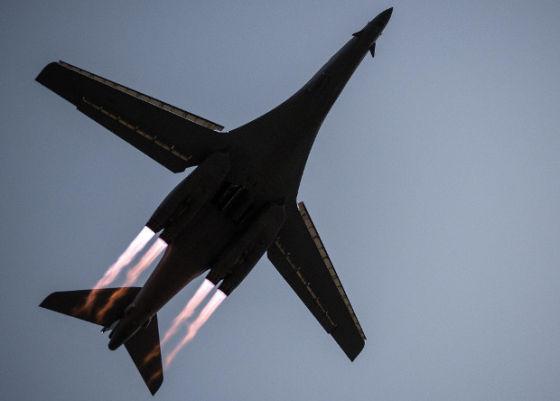 Самолет B-1B