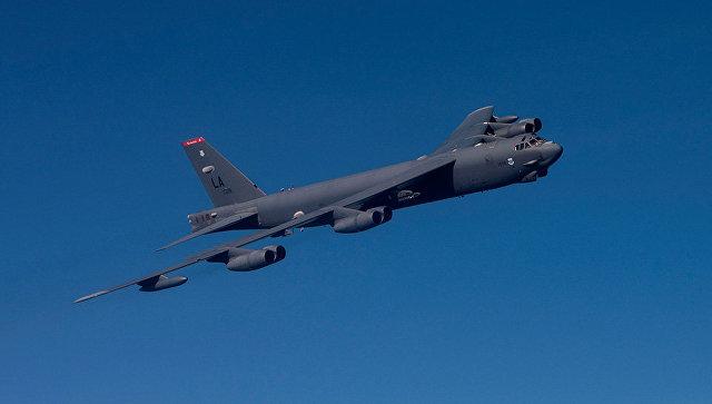 Самолет-бомбардировщик B-52.