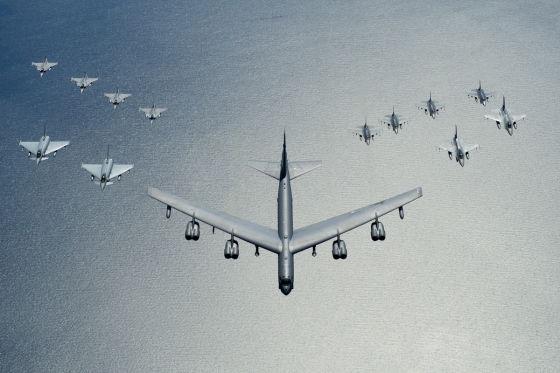 Бомбардировщик Boeing B-52H Stratofortress