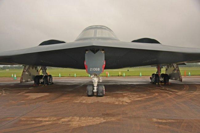 Стратегический бомбардировщик США B-2 Spirit.
