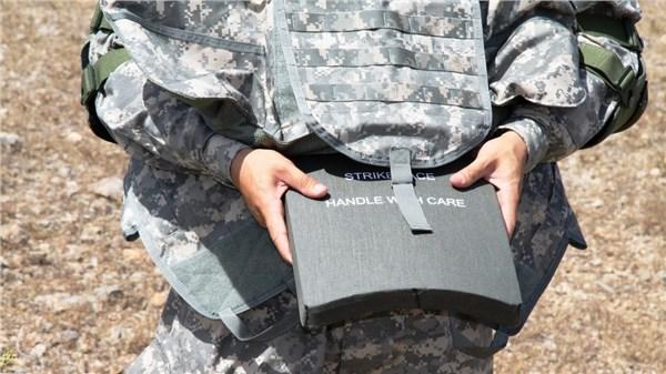 Облегченные пластины для защиты солдат компании BAE Systems.