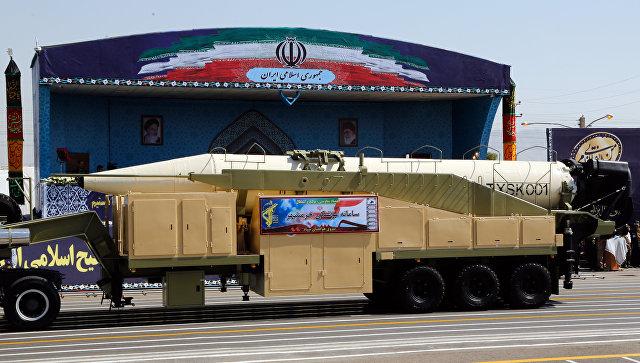 Баллистическая ракета Khorramshahr во время парада в Тегеране, Иран. 22 сентября 2017.
