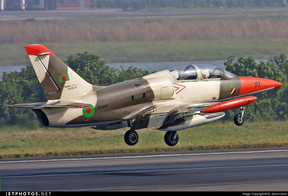L-39 ВВС Бангладеш.
