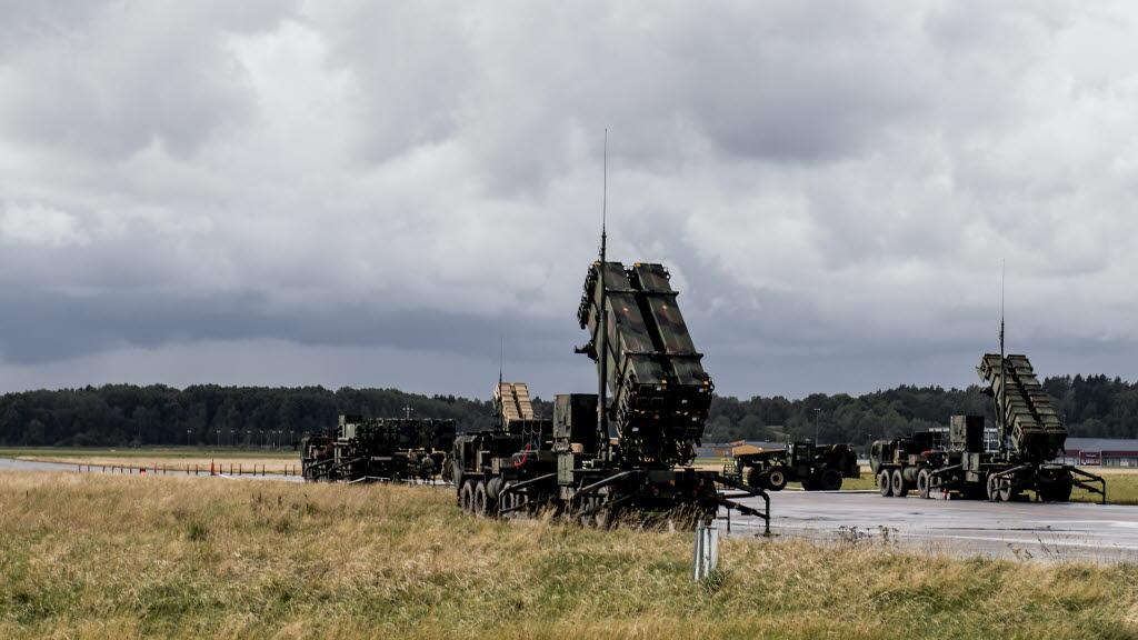 """Батарея ЗРС Patriot армии США, развернутая на шведском острове Готланд в ходе недавних многонациональных учений """"Aurora 2017"""", сентябрь 2017 года (c) Astrid Amtén Skage / вооруженные силы Швеции."""