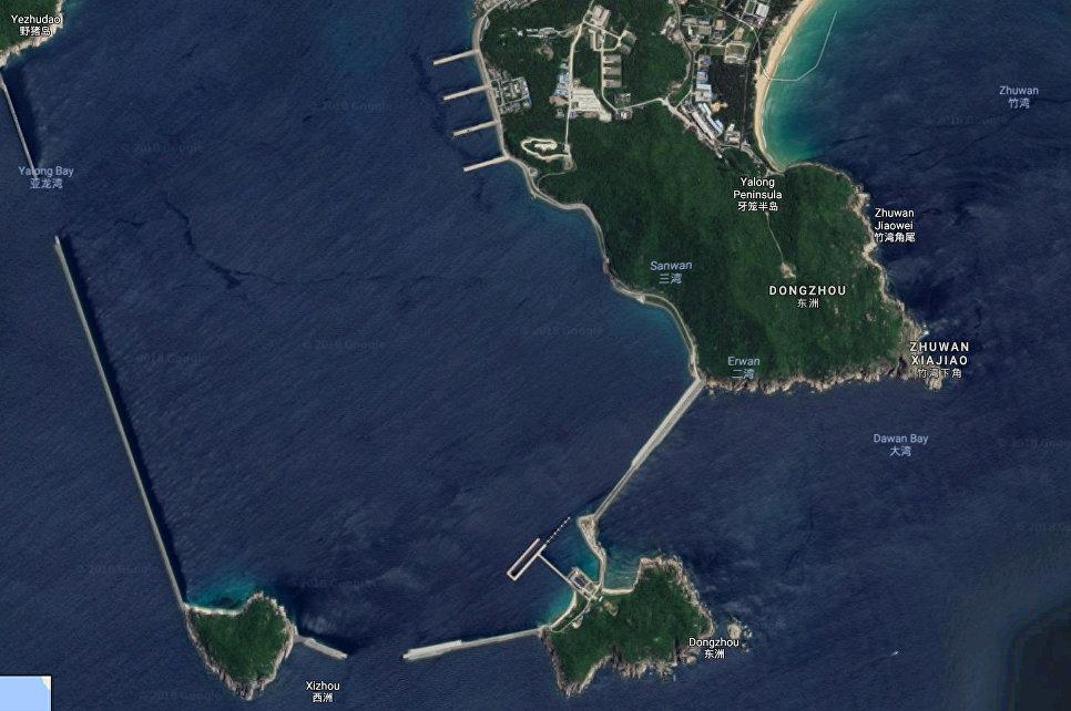 База подводных лодок Yulin на Хайнане, Китай.