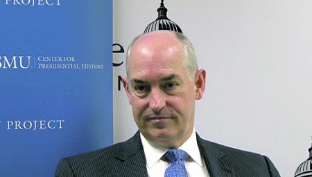 Базовые принципы новой стратегической политики США были суммированы заместителем министра обороны США по вопросам международной политики безопасности Джеком Краучем. Кадр из видео с сайта www.smu.edu