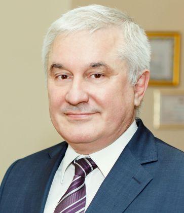 Азрет Юсупович Беккиев