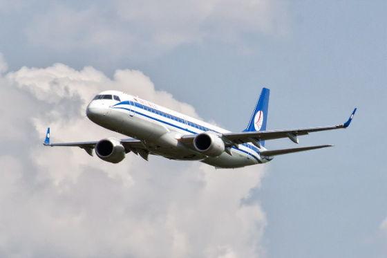 Самолет Embraer-195LR