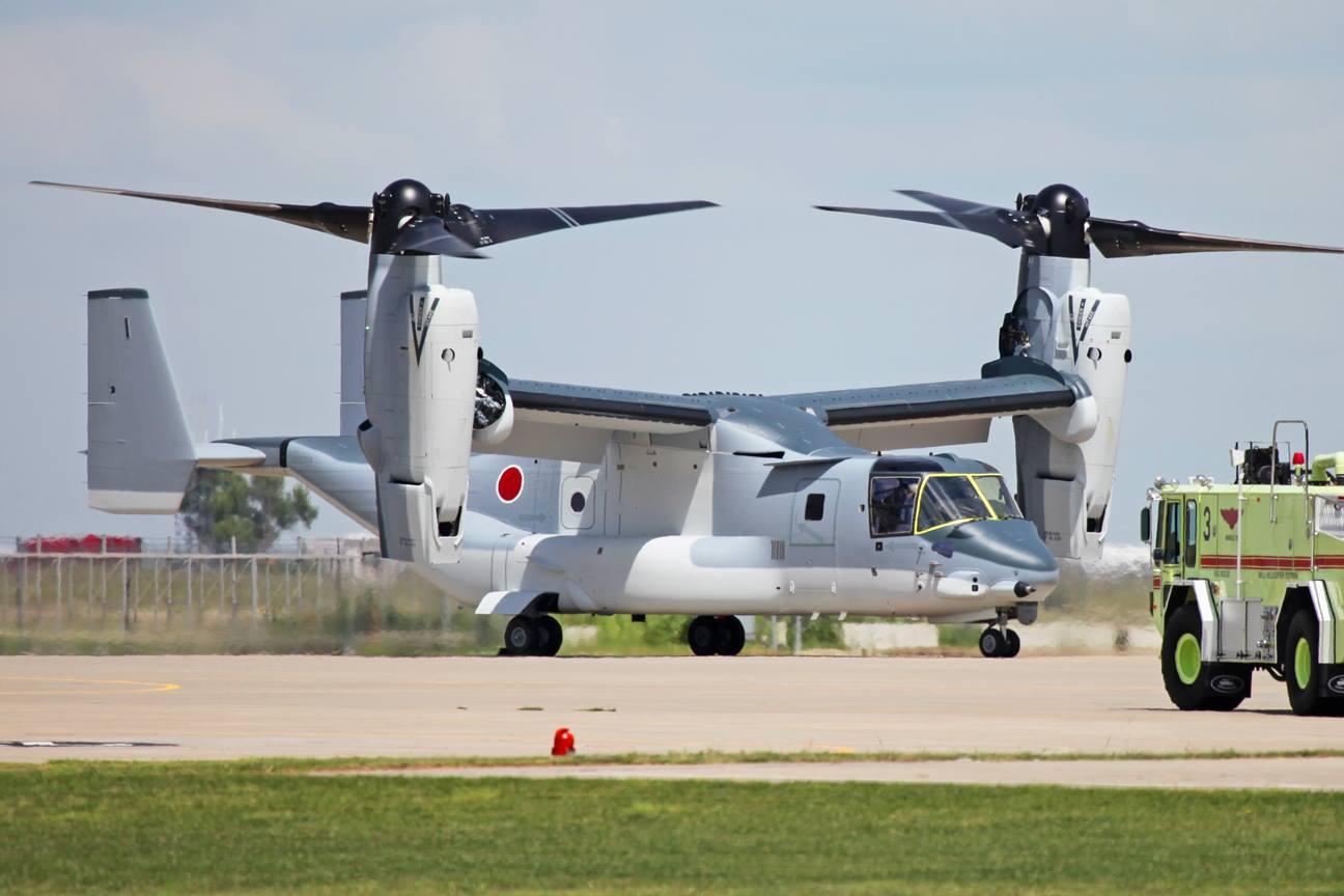 Первый построенный для армейской авиации Сухопутных сил самообороны Японии транспортно-десантный конвертоплан Bell Boeing V-22В Osprey. Амарильо, 24.08.2017.