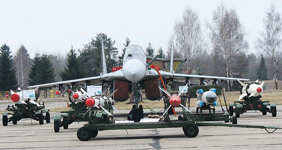 """Белорусская модернизация МиГ-29 дает возможность применять ракеты """"воздух-воздух"""" средней дальности."""