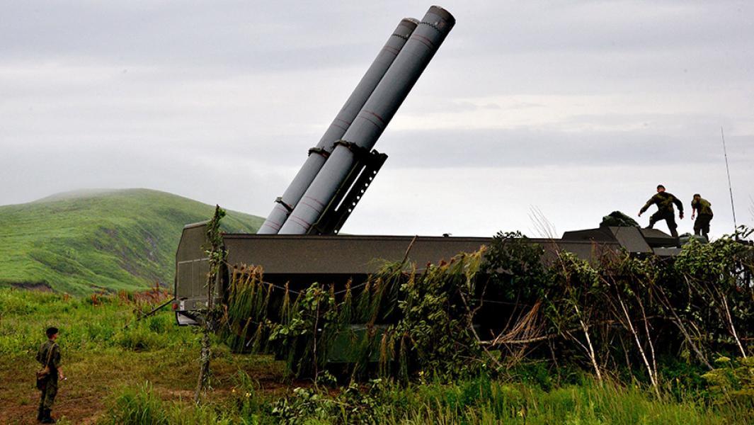 """Береговой ракетный комплекс """"Бастион"""" во время учений в Приморском крае."""