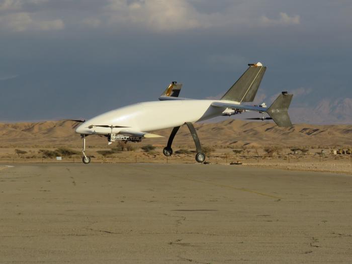 Беспилотник Peres 2 в режиме вертикального полёта.
