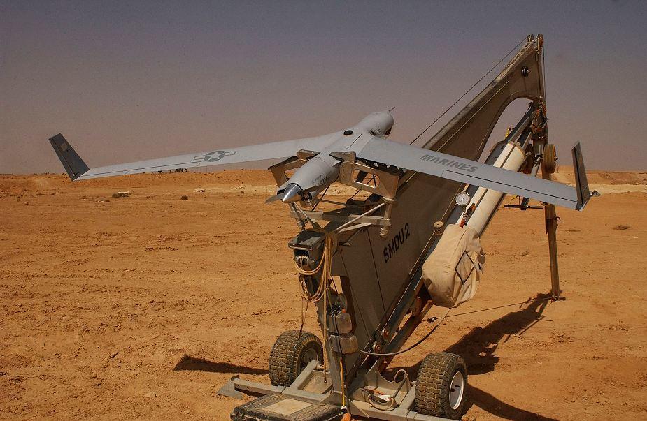 Беспилотник ScanEagle на пусковой установке.