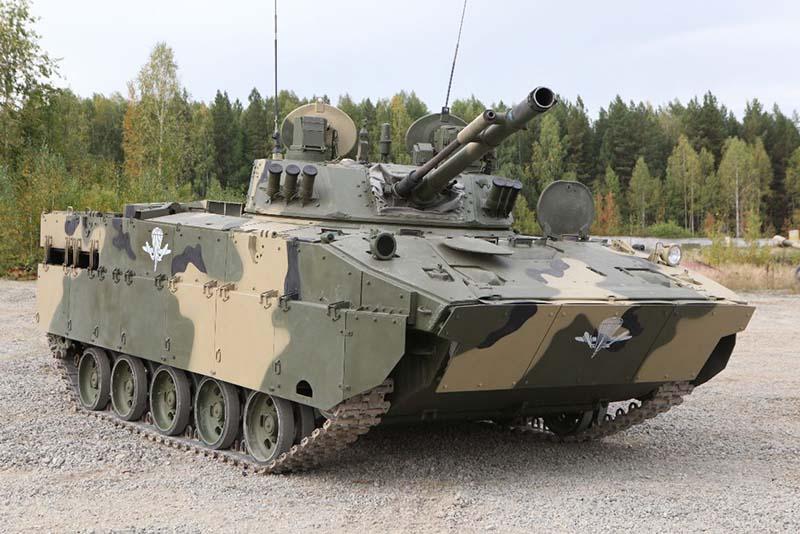 Боевая гусеничная плавающая машина десанта БМД-4М.