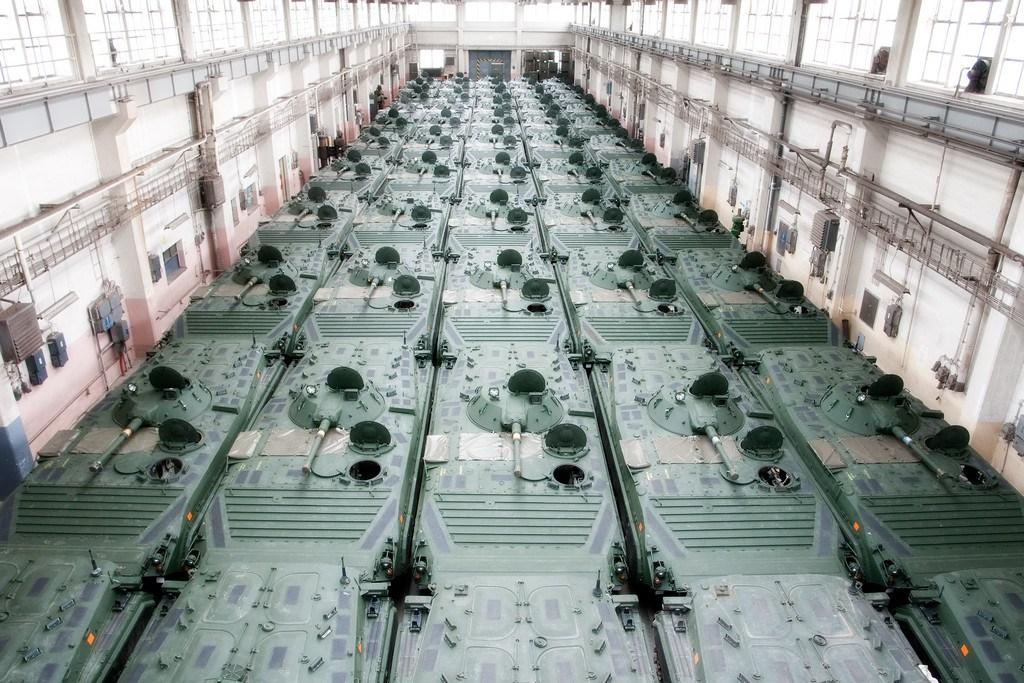 Бывшие шведские БМП-1 (в свою очередь, бывшие армии ГДР), подготовленные чешской компанией Excalibur Army к поставке в Ирак. Февраль 2015 года.