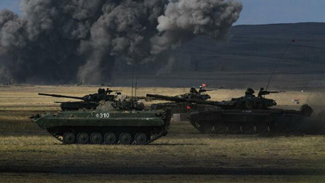 БМП-2 и танк Т-72Б3