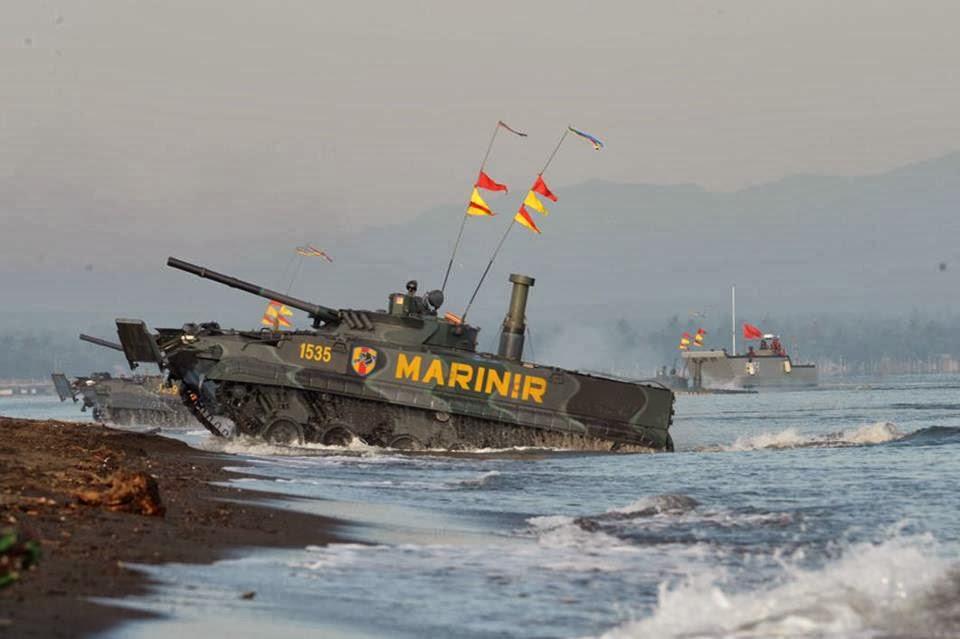 Боевые машины пехоты БМП-3Ф морской пехоты Индонезии.