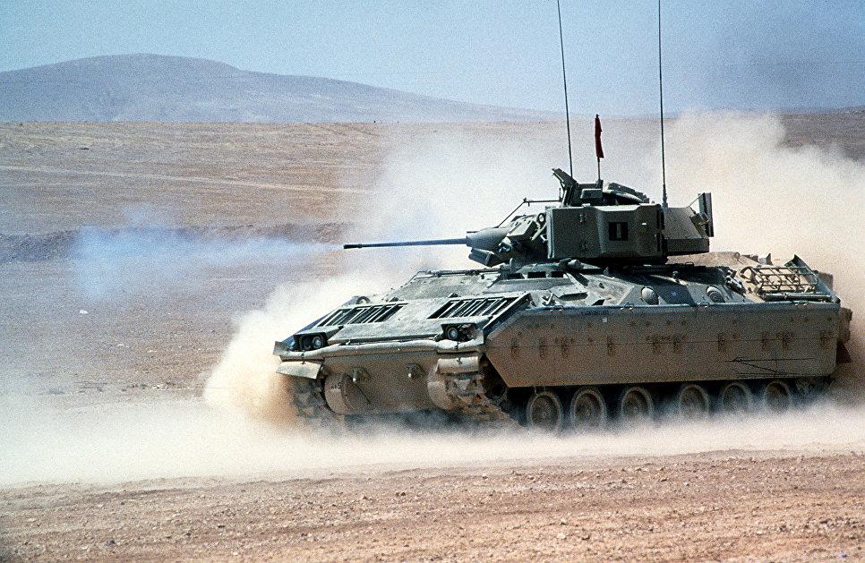 Боевая машина пехоты (БМП) США M2 Bradley.