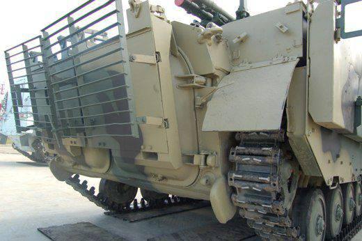 БМП-2М с усиленной защитой.