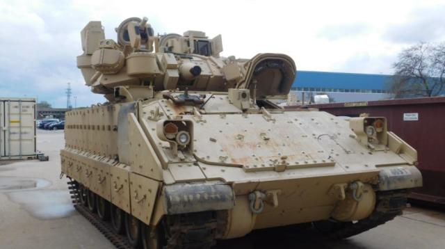 БМП M2 Bradley с системой IFL.