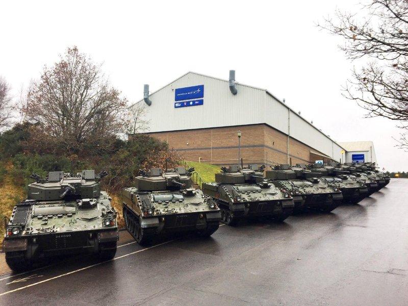 Первые восемь модернизированных по программе Warrior Fightability Lethality Improvement Program (WFLIP) британских боевых машин пехоты Warrior 2, переданных в бронетанковый испытательный центр британской армии Armoured Trials and Development Unit (ATDU) в Дорсете. Январь 2018 года.