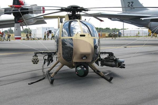 Вертолет AH-6 Little Bird.