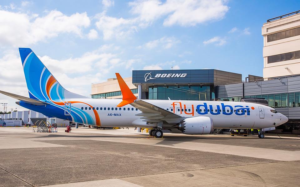 Первый переданный в коммерческую эксплуатацию пассажирский самолет Boeing 737 MAX 8 (регистрация А6-MAX) для авиакомпании Fly Dubai, 31.07.2017 .