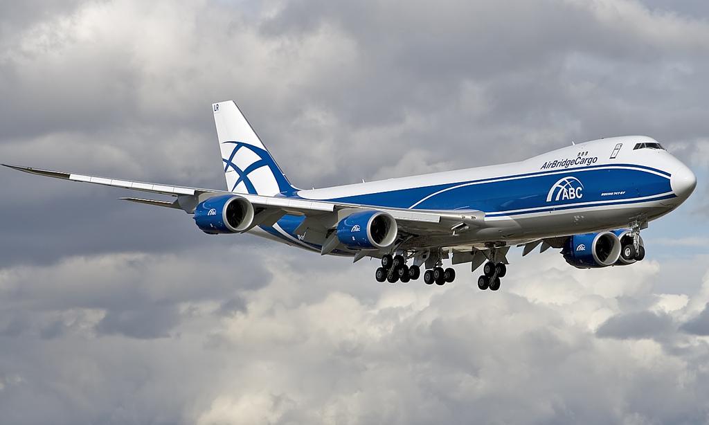 """Второй полученный авиакомпанией """"ЭйрБриджКарго"""" (AirBridgeCargo), входящей в группу компаний """"Волга-Днепр"""", грузовой самолет Boeing 747-8F (регистрация VQ-BLR). 28.03.2012."""