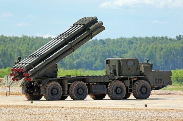 """Боевая машина 9А54 модернизированной 300-мм реактивной системы залпового огня 9К515 """"Торнадо-С"""""""