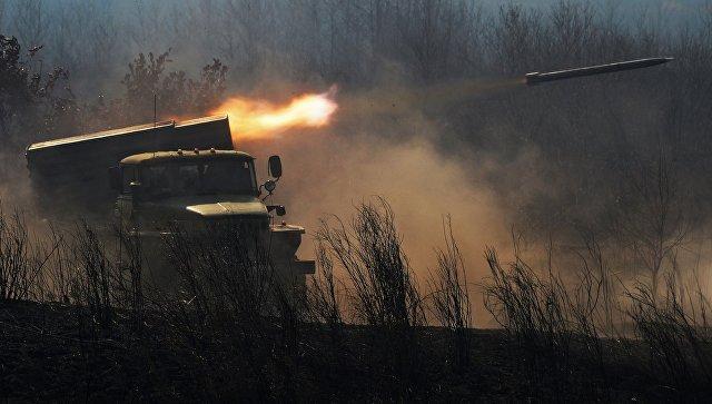 Боевая машина БМ-21 реактивной системы залпового огня Град.
